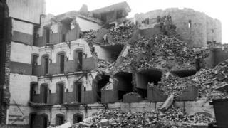York Prison being demolished, 1935