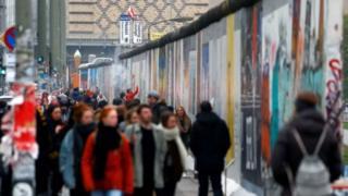 Берлин эмес Бонн туристтер үчүн өзгөчө кызыгуу жараткан шаар болуп калмак.
