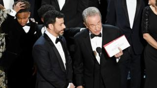 Actor Warren Beatty (right) explains a presentation error which resulted in Best Picture being announced as La La Land at the 2017 Academy Awards