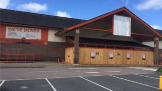 The former B&Q store at Parc-y-llyn Retail Park, Llanbadarn, Aberystwyth,