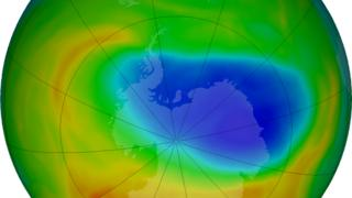 Ilustração mostra o buraco na camada de ozônio em outubro de 2019