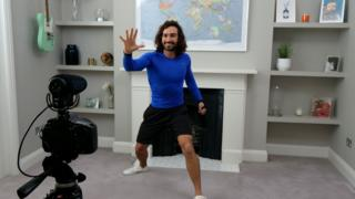 Joe Wicks doing n online PE lesson