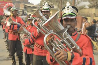 The band in the procession by the Kinnar Akhara