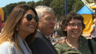 Alan Johnson meets the public in Barry
