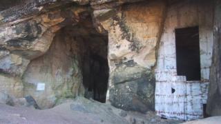 Sculptors Cave