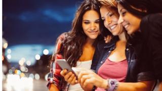 """""""ثلث المراهقات يتعرضن للتحرش الجنسي على الإنترنت"""""""