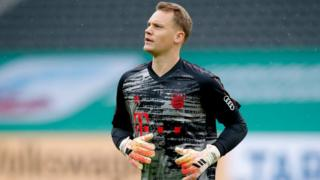 Manuel Neuer playing against Bayer Leverkusen, July 2020
