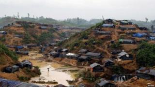 बांग्लादेश में रोहिंग्या शरणार्थियों के शिविर