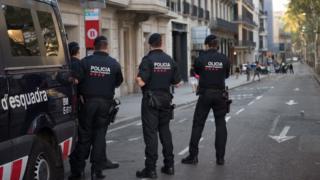 Policías en alerta en Barcelona