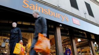 Sainsbury's pledges £1bn to slit emissions to zero by 2040 thumbnail
