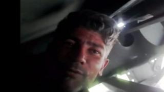 Iraniano gravou vídeo agarrado a chassis de caminhão