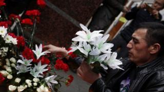 В Москве у стен Кремля прошла церемония в память о погибших