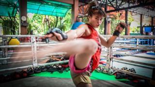 """ณัฐวรรณ พานทอง """"แสตมป์ แฟร์เท็กซ์"""" นักสู้หญิง แชมป์ 2 เข็ดขัดคนแรกของ ONE Championship"""
