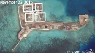 Một viện chính sách năm ngoái công bố hình ảnh được cho là chụp các căn cứ quân sự trên một số hòn đảo