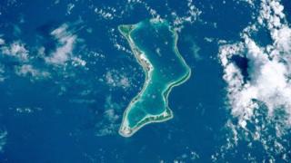 mid ka mid ah jasiiradaha Chagos - Diego Garcia - waxaa saldhig ku leh Mareykank