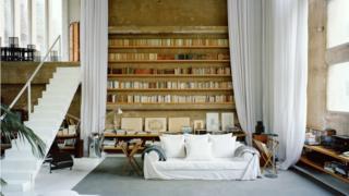 La sala de estar de la residencia privada del arquitecto Ricardo Bofill.