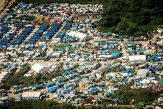 """Calais: """"Orman"""" mülteci kampı"""