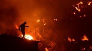 النيران في بنغلاديش