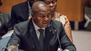 Le président de la Centrafrique Faustin-Archange Touadéra a annoncé mardi un remaniement ministériel, nommant quelques ex-proches des groupes armés, selon un décret diffusé à la radio d'Etat.