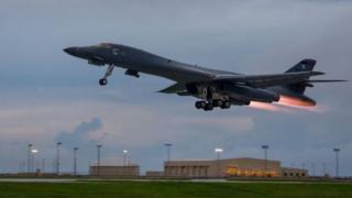 เครื่องบินทิ้งระเบิดสหรัฐฯ