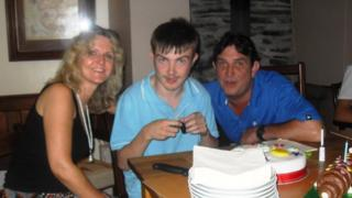 Elin, Joel a Peris