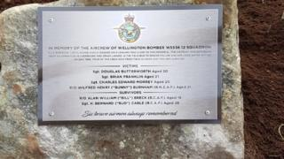 Memorial for WWII bomber crash servicemen in Worcestershire
