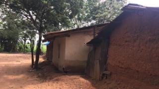 Ụlọ aja na Gabon Community