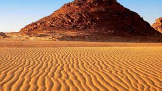 جدار ضخم في وسط أفريقيا لوقف زحف الرمال