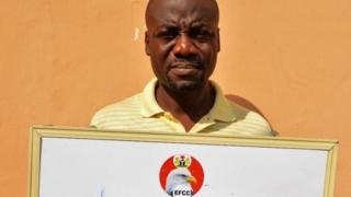 Aworan Kansẹlọ tẹlẹ ri ti EFFC sọ pe oun ni baba isalẹ awọn adigunjale to n ji ọkọ