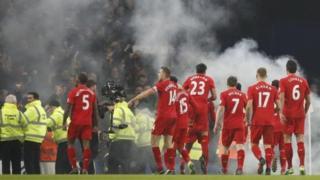 An dakata da wasa saboda an jeho abin sa hayaki lokacin murnar 'yan Liverpool