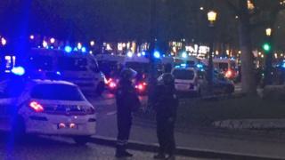 パリのシャンゼリゼ通りでは厳戒態勢が敷かれた(20日)