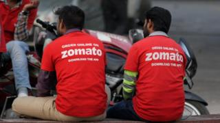 Two Zomato delivery drivers