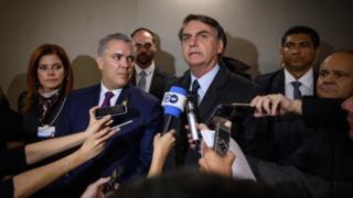 Bolsonaro concede entrevista em Davos
