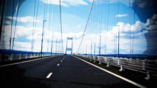 Faint o bobl sy'n croesi pont Hafren er mwyn ymgartrefu yng Nghymru?