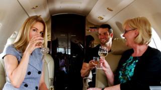 Спиртные напитки в воздухе кому-то помогают расслабиться - главное, не переусердствовать