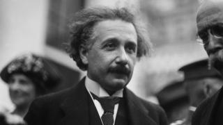 Albert Einstein en 1927 en Washington.