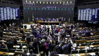Câmara durante a discussão sobre a reforma da Previdência, na terça (9/7)
