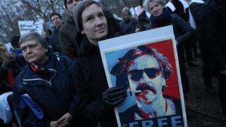 Protesters gather outside the Turkish Embassy to demand the release of German journalist Deniz Yucel on 28 February 2017 in Berlin, Germany.
