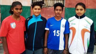 ममता, काजल, निशा और गायत्री (बाएं से)