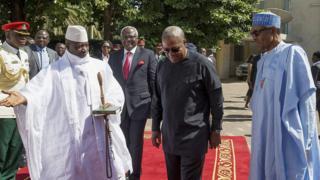 ECOWAS igabisha ko izokoresha inguvu za gisirikare Yahya Jammeh nataba yavuye ku butegetsi mu minsi itandatu
