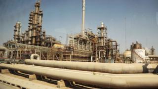 آیا معافیتهای نفتی گرهای از تحریمها باز میکنند؟
