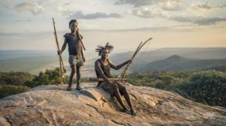 Tanzanya'da Hadza avcıları
