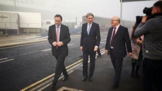 Phillip Hammond visits Southampton docks