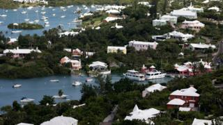 aerial view of houses and pleasure boats