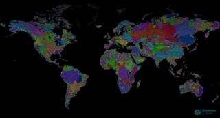 Imagem mostra o mapa do mundo colorido pelo cartógrafo húngaro Robert Szucs