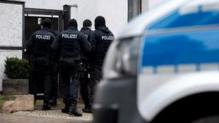 Police raid a property in the Vieselbach district of Erfurt, eastern Germany, in connection with the ban of the neo-Nazi group Combat 18, 23 January 2019