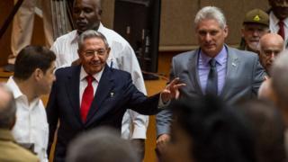 Raúl Castro (L) and Miguel Díaz-Canel (C) arrive for a National Assembly session in Havana, 18 April