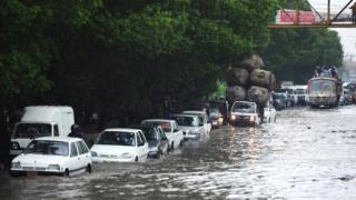 کراچی میں بارشیں، فائل فوٹو