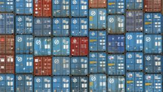 контейнеры в порту