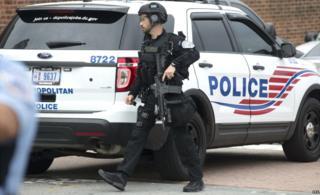 Washington DC Metropolitan police respond during a lockdown at the Washington Navy Yard - 02 July 2015